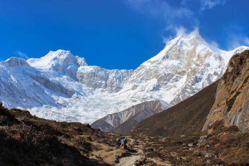 complete trekking trail manslu